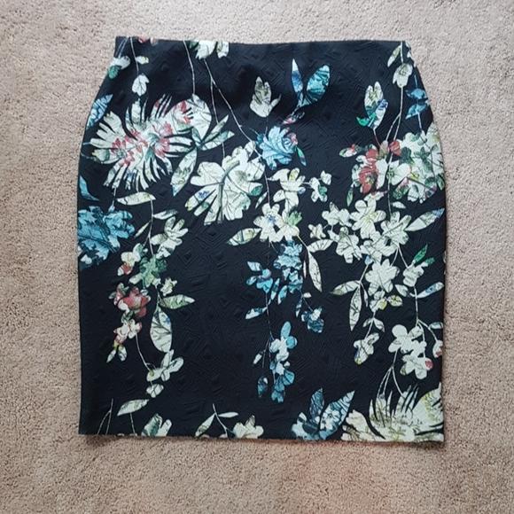 Mario Serrani pattern skirt